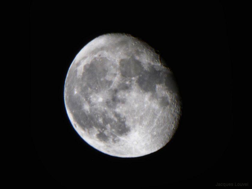 La Lune le 30 septembre 2015