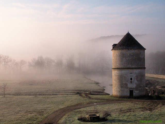 Pigeonnier de l'Abbaye de Reigny (Bourgogne)