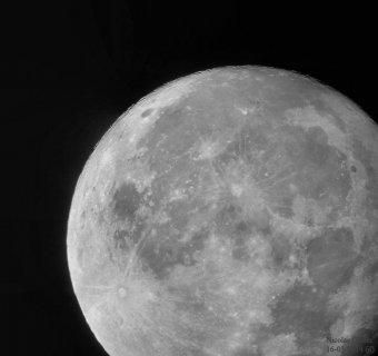 Nicolas nous montre la Lune