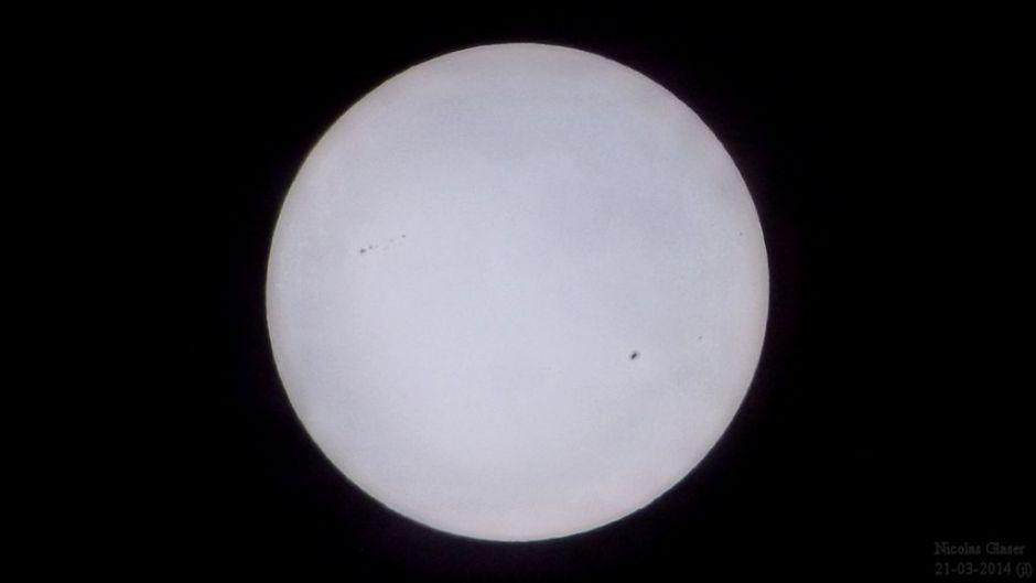 Quelques taches solaires en mars 2014