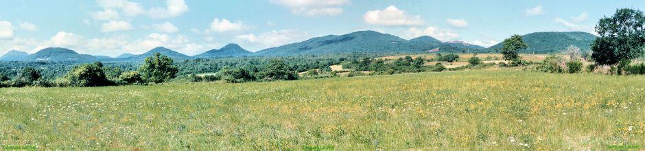 La Chaîne des Puys Nord, vue depuis 'Le Cratère'
