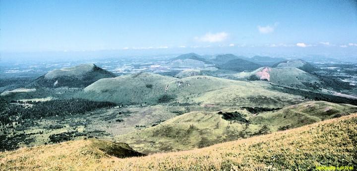 La Chaîne des puys Nord vue du Puy de Dôme