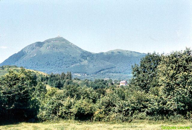 Le Puy de Dôme vu de l'Est