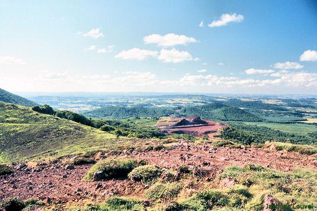 La Chaîne des Puys, le Tenusset et les volcans du Nord
