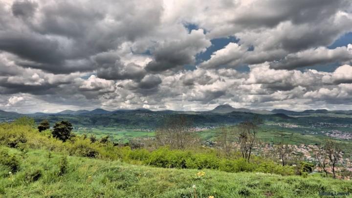 La Chaîne des Puys depuis le plateau de Gergovie