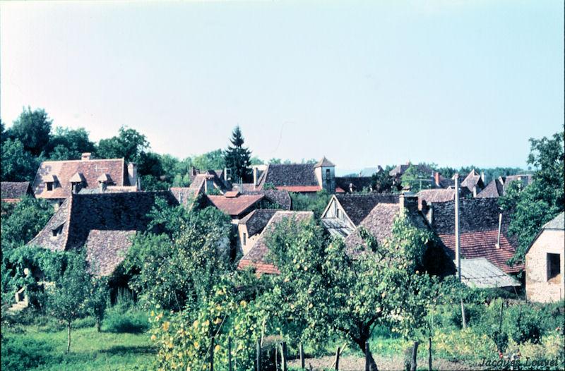 Carennac (Lot) : vue générale au nord-ouest