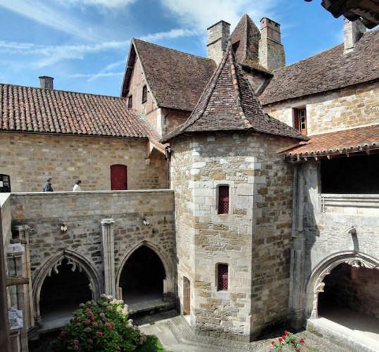 Carennac (Lot) : la tour de l'escalier du cloître