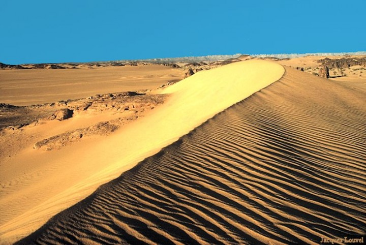 Sahara oriental : les dunes de l'erg Admer - 3