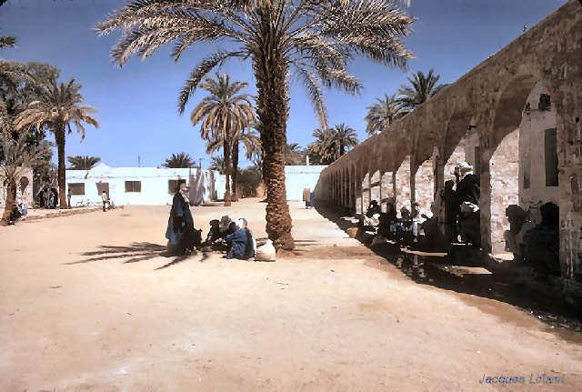 Tassili n'Ajjer : la place du marché à Djanet