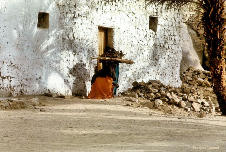 Tassili n'Ajjer : Djanet, scène de la vie quotidienne